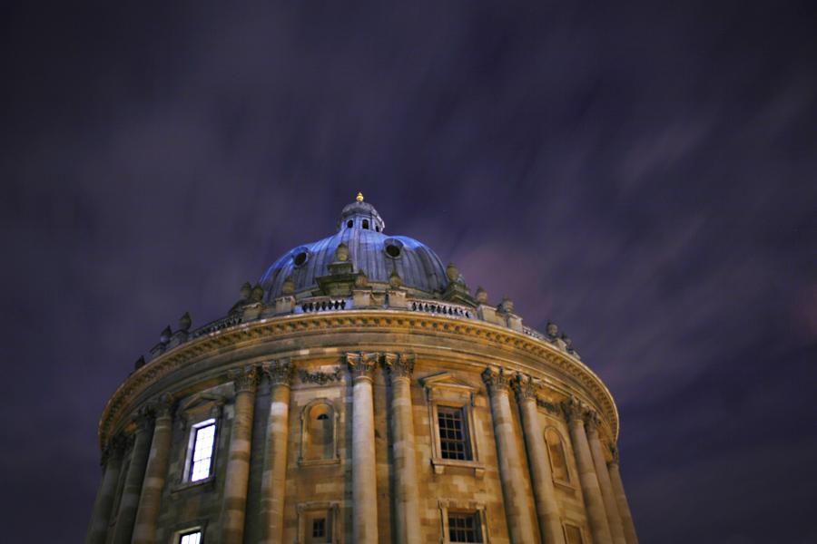 radcliffe-camera-night