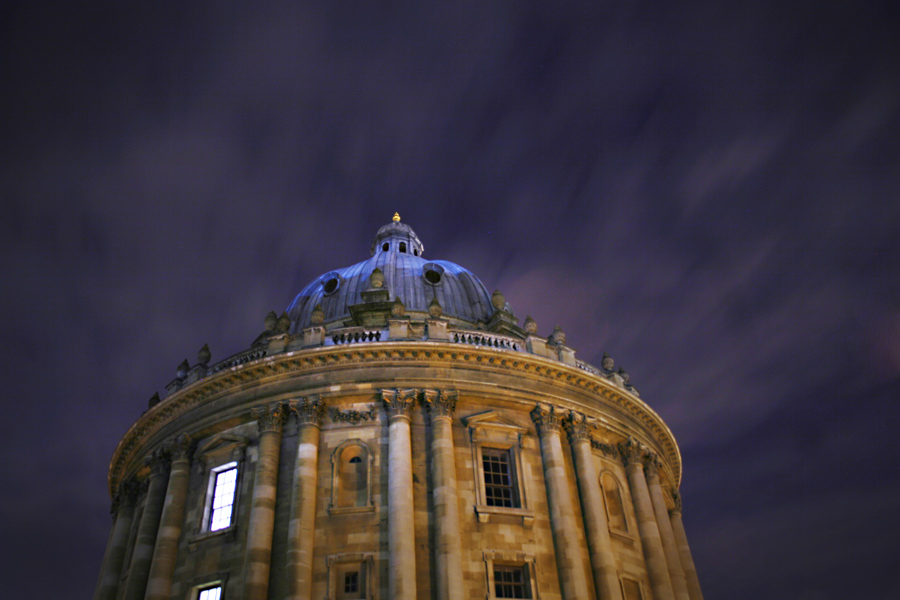 radcliffe-camera-night